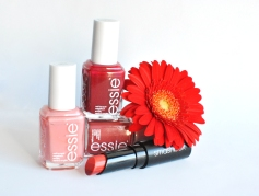 Essie: Stones'n'roses, in stitches, A-List - Smashbox: Red Ombré